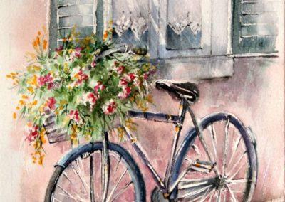 La bicicletta con il cestino di fiori